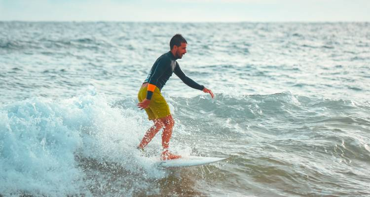 Surfing in Arugumbay (7 Days) - Total Travel Solution (Pvt) Ltd