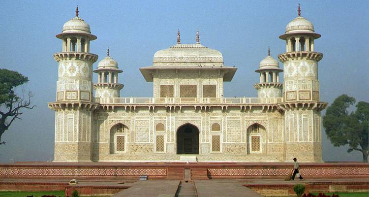 5 Days Golden Triangle Tour - India Travel With Leisure
