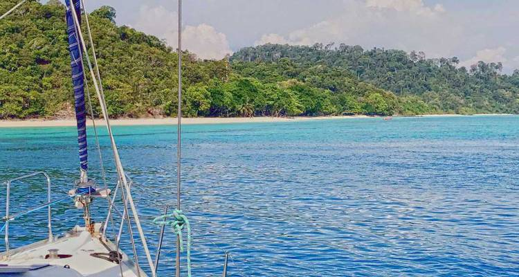Community Sailing Holidays in Thailand, `Same Same` Route - Naleia Yachting