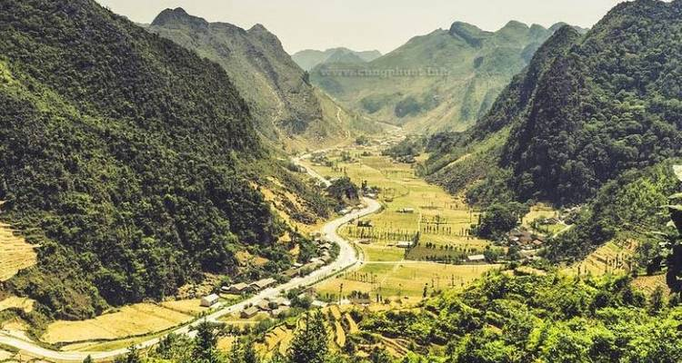TREKKING HA GIANG TOUR 3 DAYS 4 NIGHTS - Zonitrip- Adventure Vietnam Tours