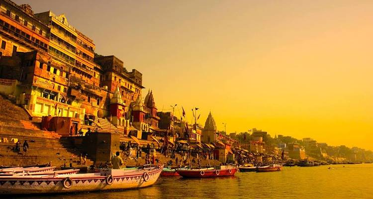 Essence of India with Varanasi, private car & flight included - Payless tours india