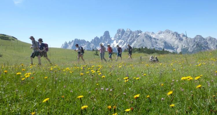 Hiking in the Dolomites - Explore!
