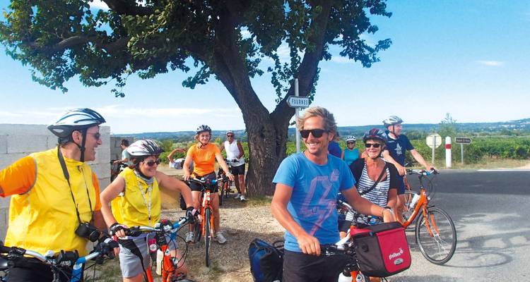 France / Provence and Camargue Bike and Barge / Aigues-Mortes to Avignon - Girolibero - Cycling holidays
