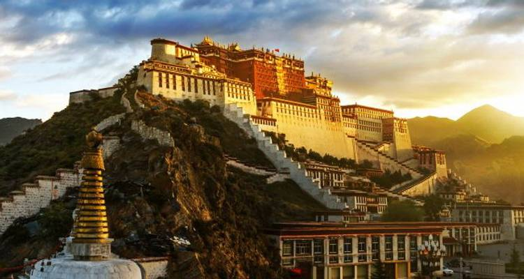 Highlights of Tibet: Beijing to Lhasa - China Adventure Travel