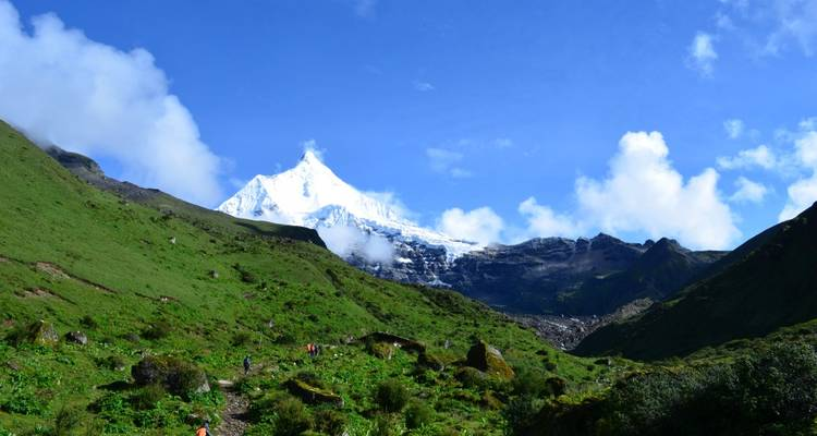 Jomolhari Round Trek - World Tour Plan