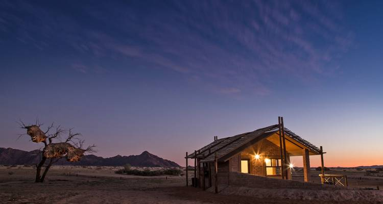 9 Day Discover Namibia Accommodated Lodge Tour - Lark Journeys