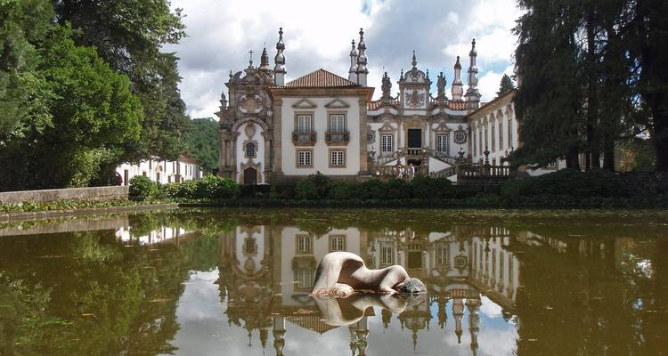 Discover Lisbon, Porto and the Douro Valley (port-to-port cruise) - CroisiEurope River Cruises