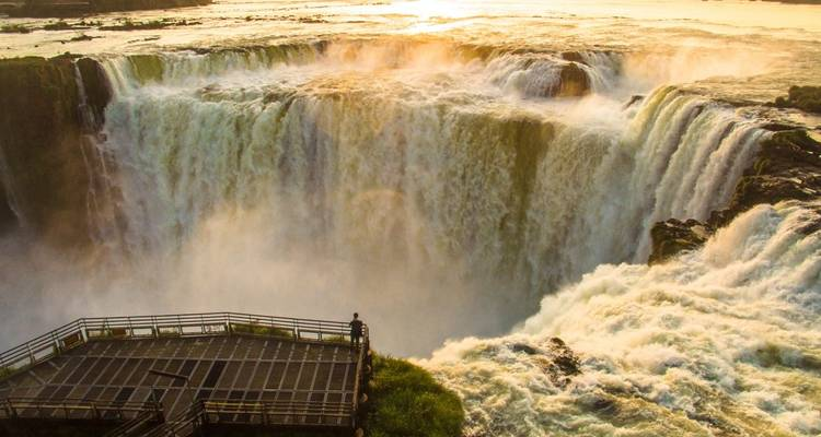 2 days Iguazu Falls Tour of the Argentinean Side - Signature Tours