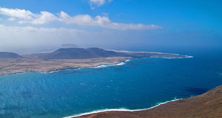 Lanzarote, Land of Volcanoes - Guided Tour - IberoCycle Tours