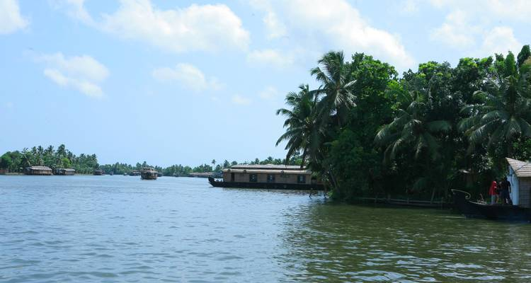 A classical Southern Journey (from Cochin to Chennai) - Kapil India Tours