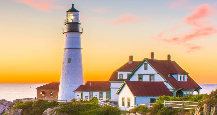 Charming New England: Scenic Summer - Back-Roads Touring