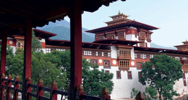 Bhutan: Dragon Kingdom - Peregrine