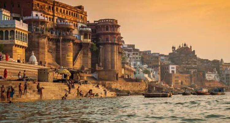 Delhi Palaces Ganges - 12 days - On The Go Tours