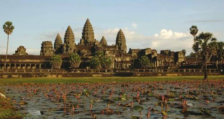 Angkor Wat Cycle - World Expeditions