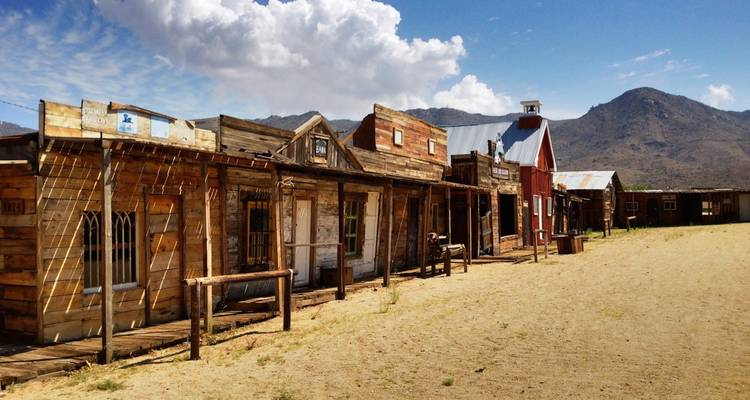 Wild West Ghost Town Explorer Day Tour from Las Vegas - Bindlestiff Tours
