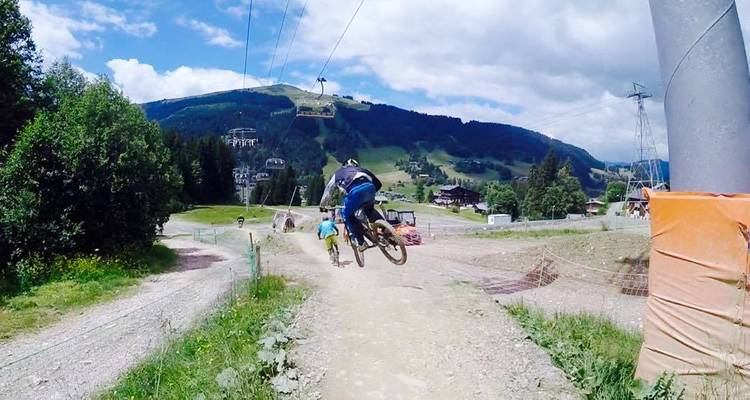 Downhill mountain biking in the French Alps - the HOFNAR experience