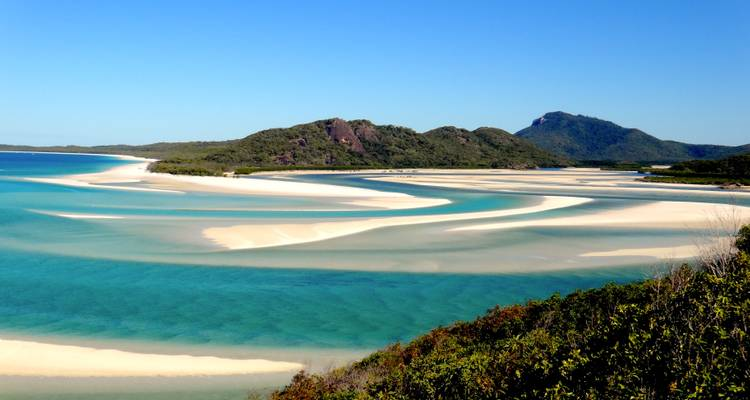 Brisbane to Cairns Experience: Sand Dunes & the Whitsundays - G Adventures