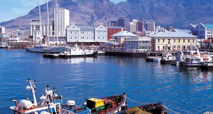Cape Town City Stay - Acacia Adventure Holidays