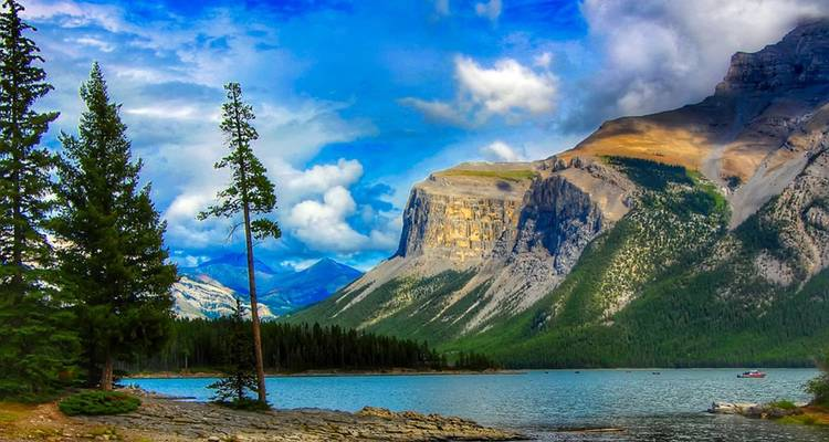 Enchanting Rockies and Alaska Cruise (from Victoria to Vancouver) - APT