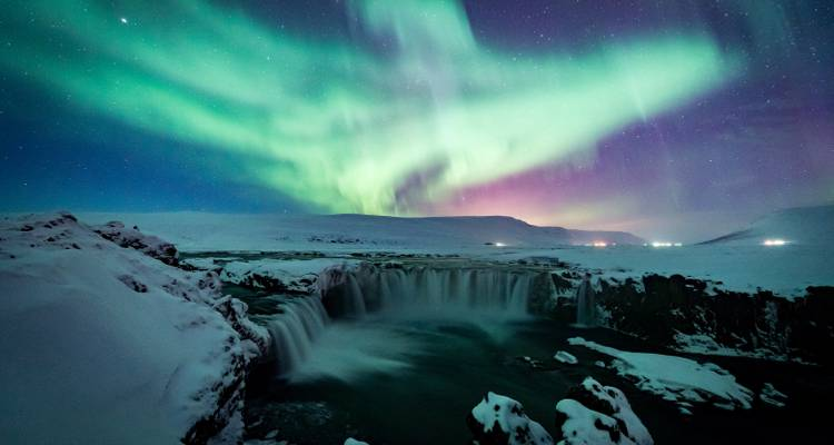 Land of the Northern Lights - 5 days - On The Go Tours