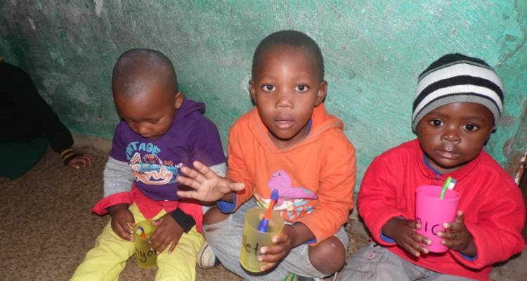 Childcare Izizwe Projects 4 Weeks - Khaya Volunteer Projects