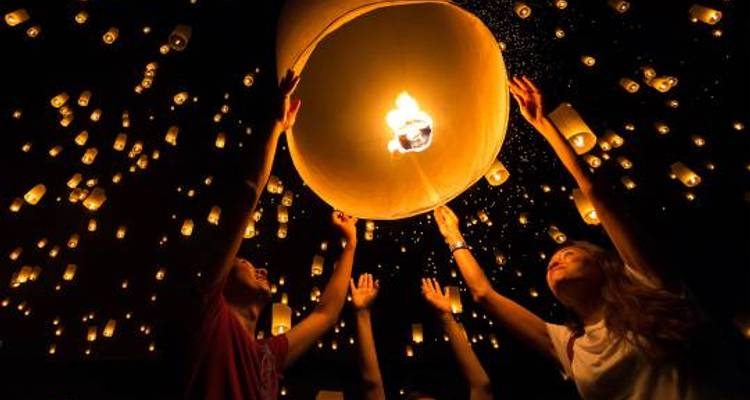 Yi Peng Lantern Festival - 10 days - On The Go Tours