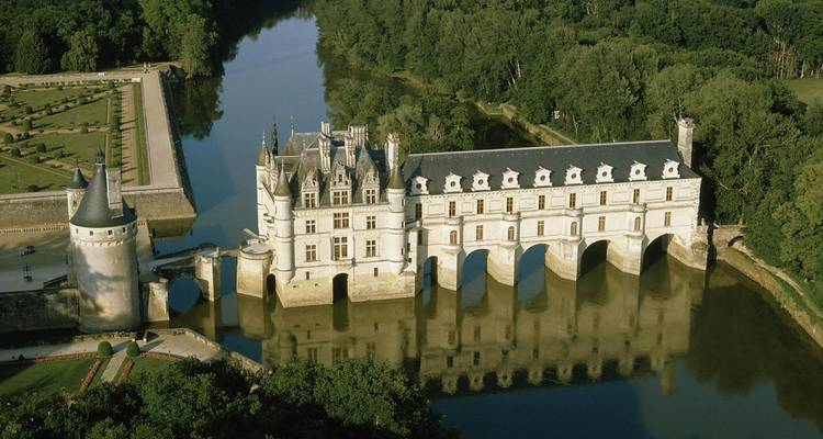 France - Loire Royal Valley Cycling Tour - Pure Adventures