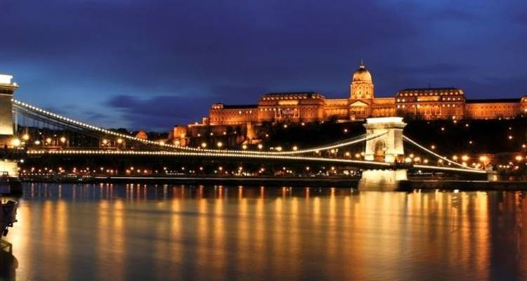 Taking in 3 countries The Danube and its traditions. (Formula without transfer) - CroisiEurope River Cruises