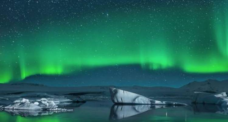 New Year's & Northern Lights - 5 days - On The Go Tours