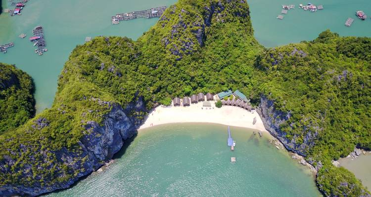 Ha Long Bay and Castaways Island 3 Days 2 Nights - Vietnam Backpackers Hostels