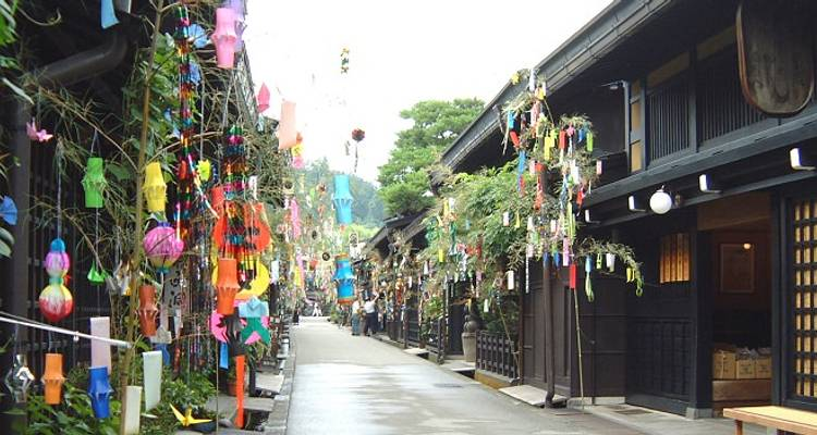 Takayama Spring Festival | Grand Tour - Japan Deluxe Tours