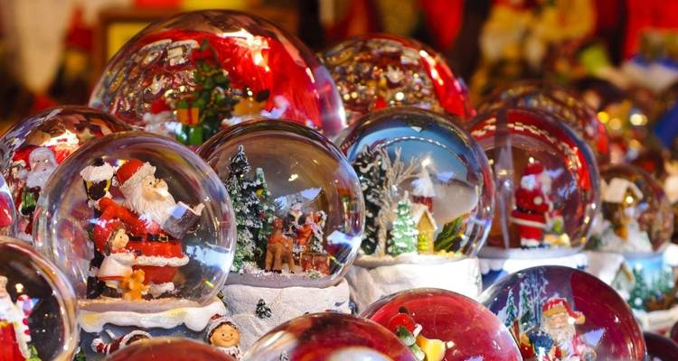 Christmas Traditions and Santons of Provence - CroisiEurope River Cruises