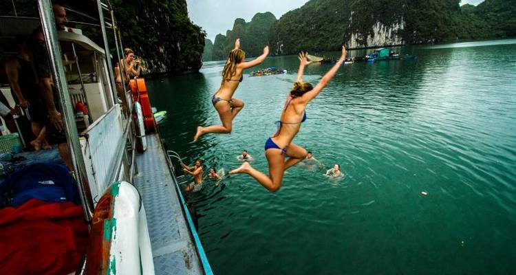 Vietnam Experience inc. Halong Bay (from Hanoi to Hoi An) - TruTravels
