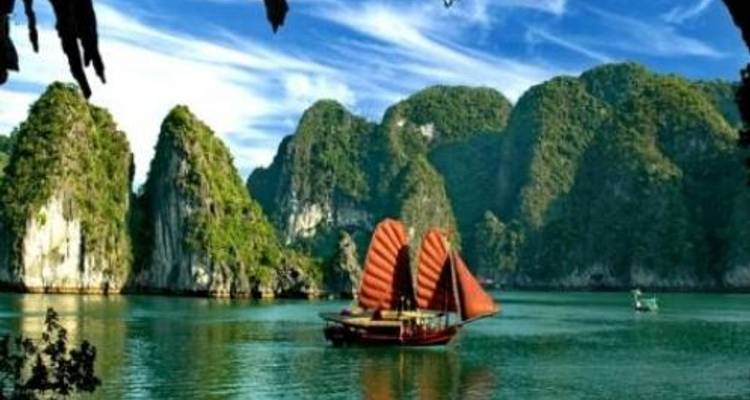 3 Day Hanoi and Halong Tour Including Overnight Cruise - 24h Tour