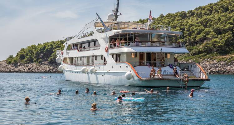 Adriatic Cruise - M/S Prestige and M/S Freedom from Dubrovnik to Split - Kompas