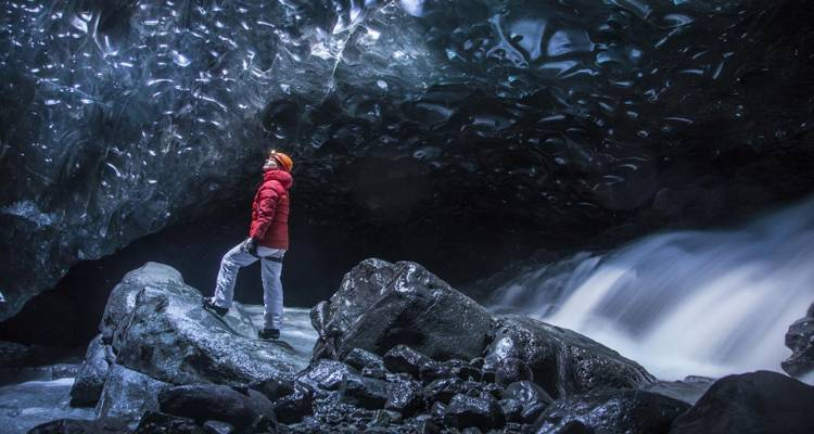 Northern Lights and Ice Cave Adventure - Icelandic Mountain Guides