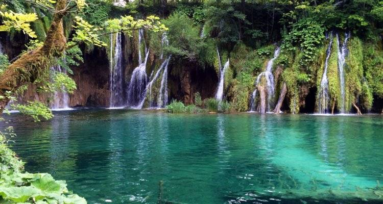 Croatian islands cruise + Land tour with  Plitvice - from Zagreb - Nature Trips