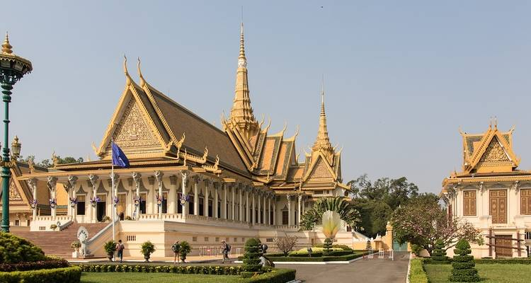 Phnom Penh and Siem Reap (from Siem Reap to Phnom Penh) - Pandaw Cruises