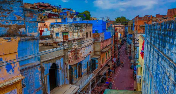 Fort Palaces, Taj Mahal, Temple and Lake City of Rajasthan - Yolo India Tours