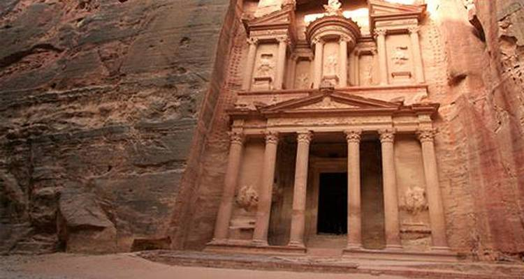 Explore Petra and Wadi Rum 3 days - Booking Tours