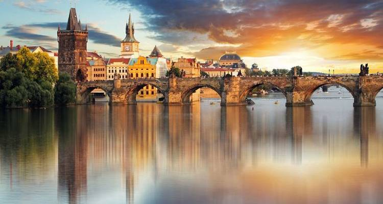 Prague to Vienna Tour - Kompas