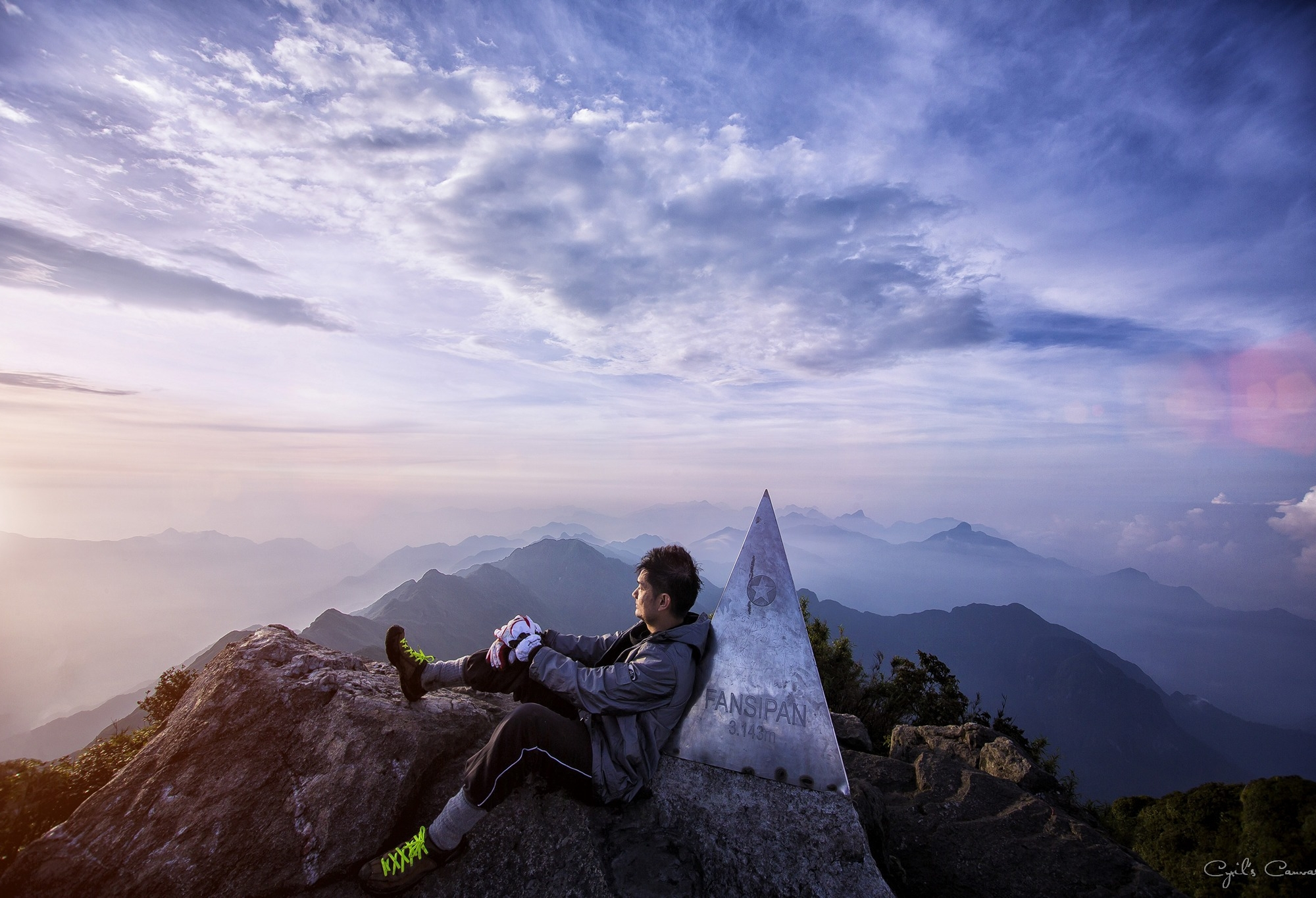 Kết quả hình ảnh cho fansipan mountain trek danger