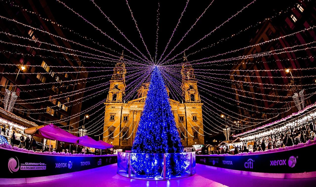 festive christmas markets berlin to budapest 2019 by apt. Black Bedroom Furniture Sets. Home Design Ideas