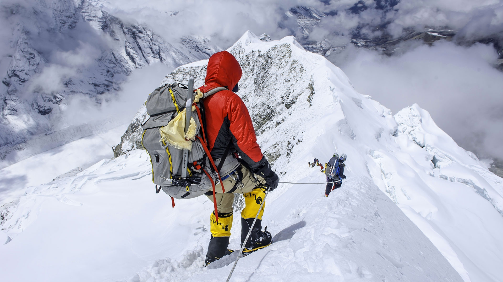 mountain climbing expeditions challenged - HD1920×1080