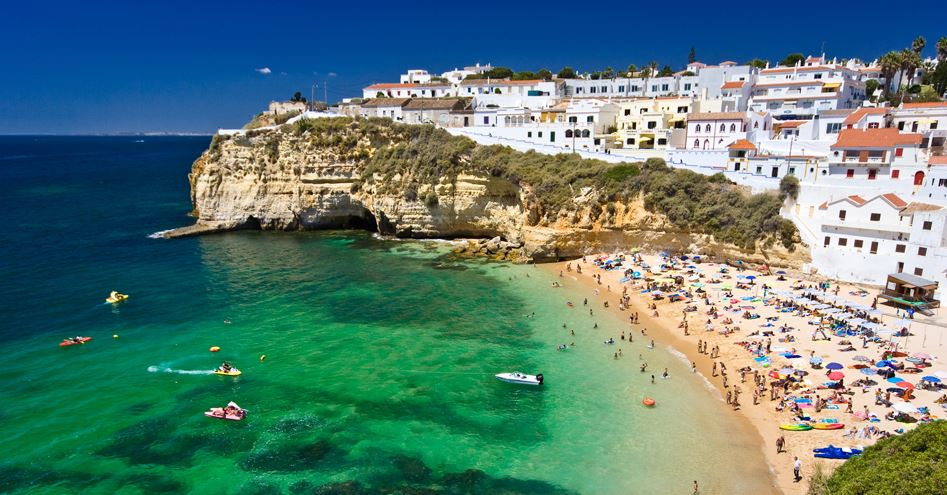 Paid Vacation Days Portugal