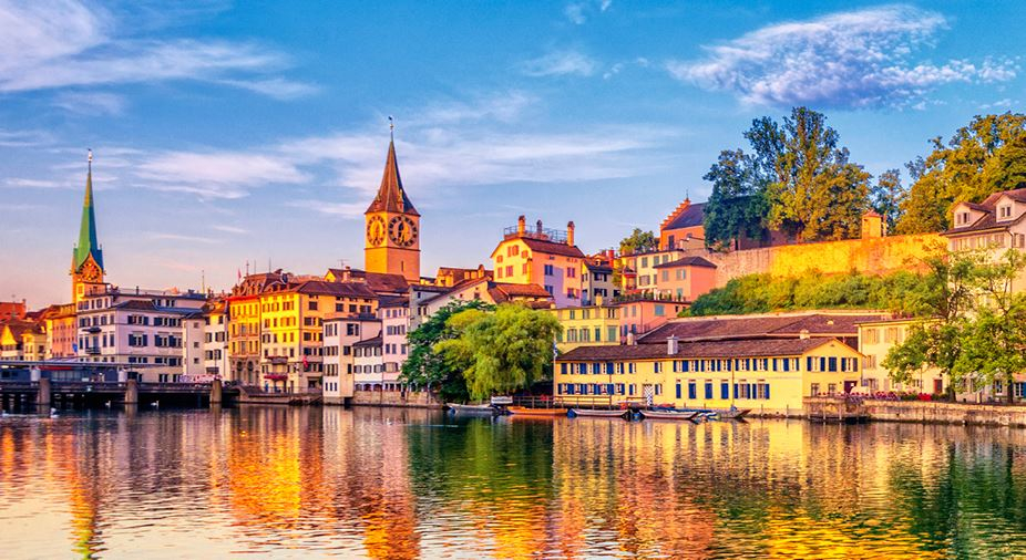 Grand Tour Of Switzerland Cosmos