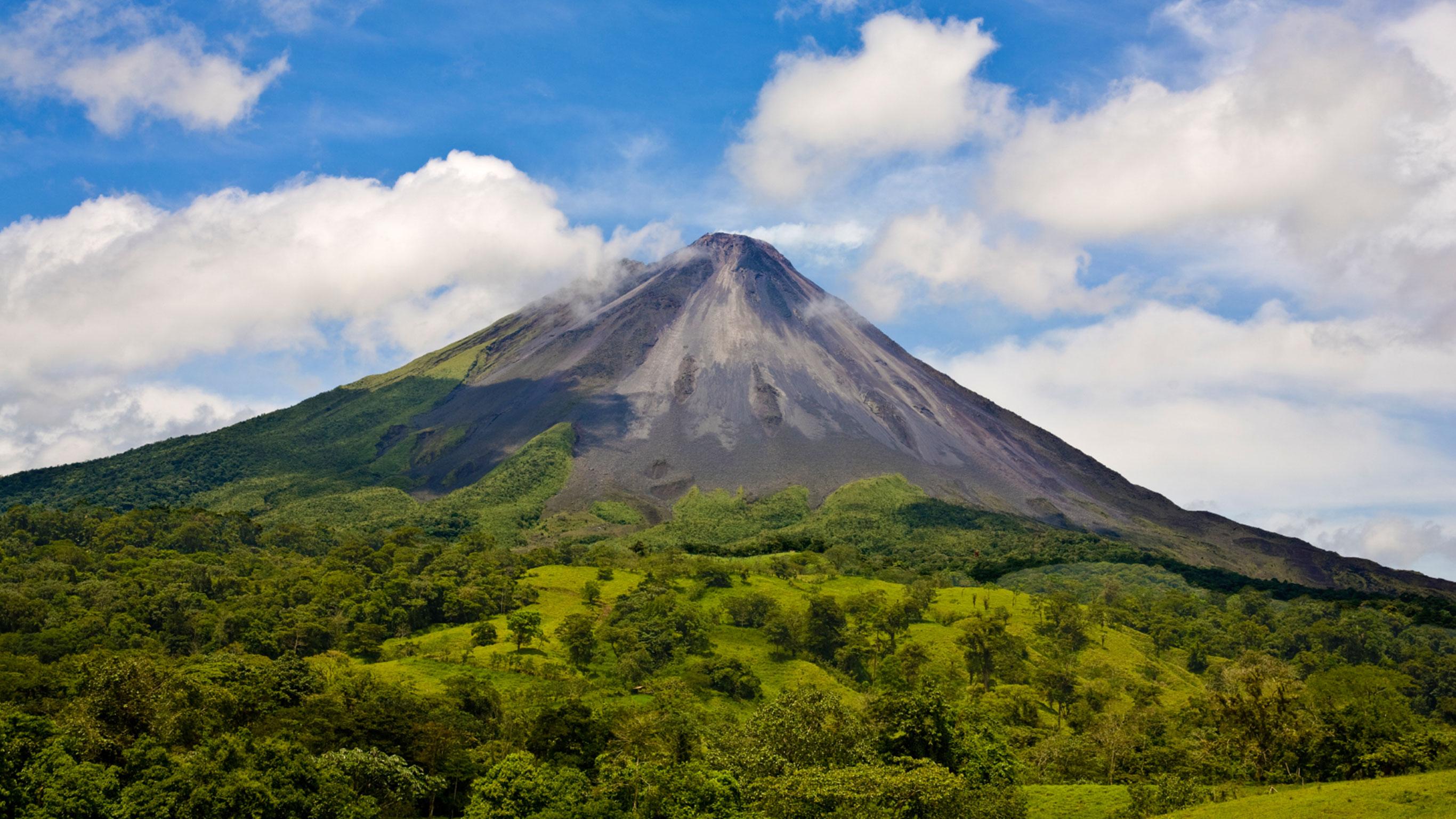 Costa Rica Volcanoes Surfing