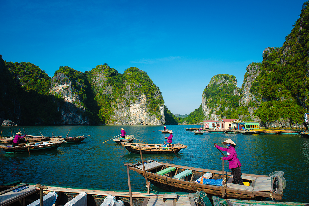 Highlight Vietnam Tour 7 Days/6 Nights by Legend Travel ...
