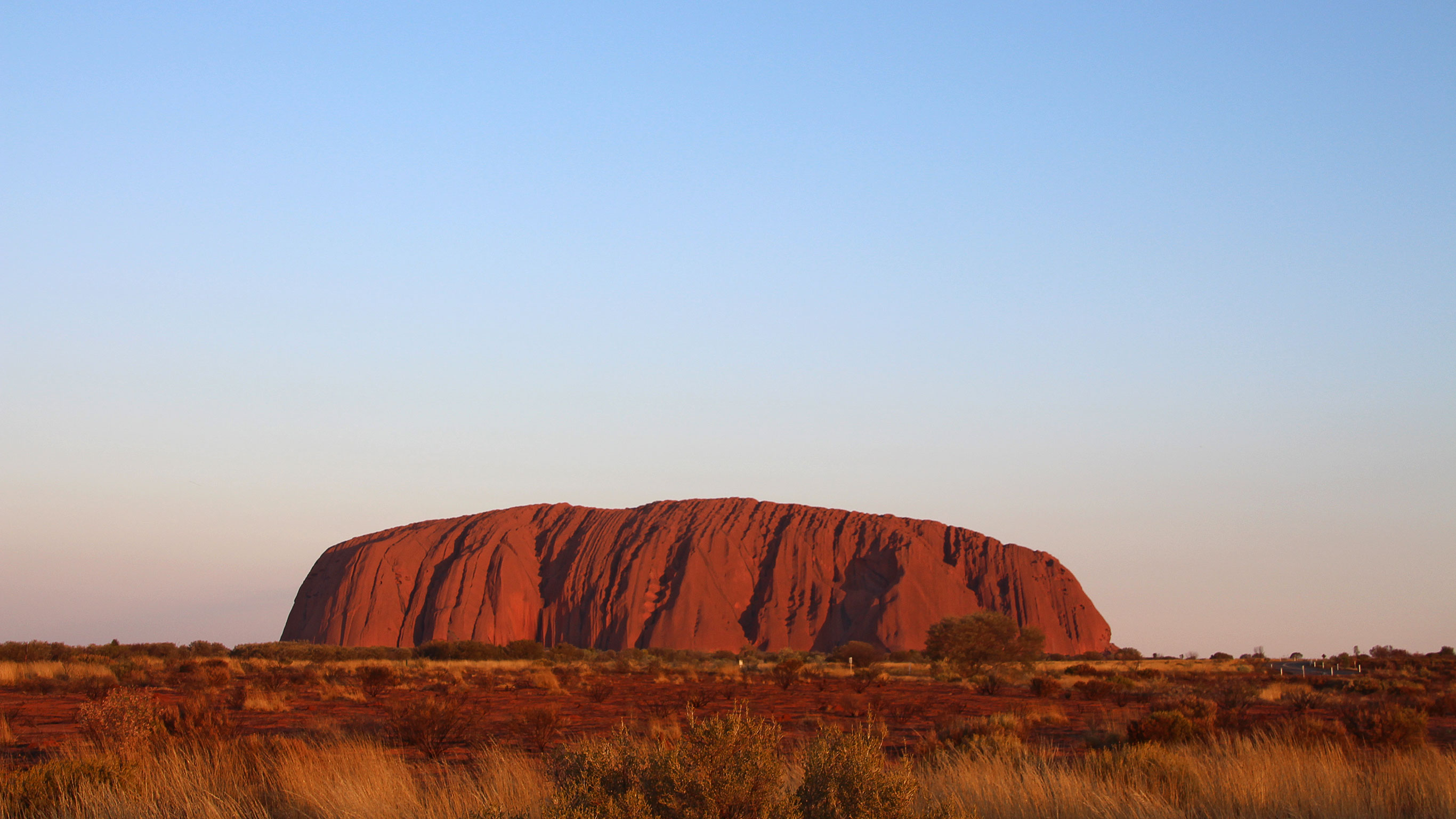 Coach Tours From Alice Springs To Ayers Rock